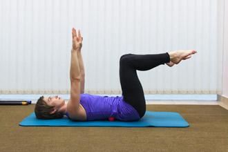 """Упражнение 4 на проверку техники пилатес """"движение под дыхание"""" - положение 2"""