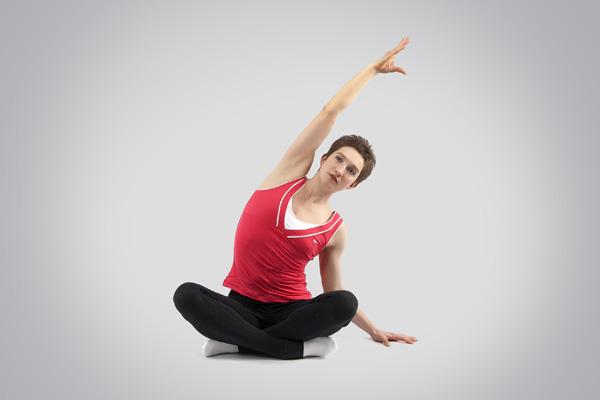 Пример упражнения статического стретчинга квадратной мышцы поясницы для предотвращения хронических травм
